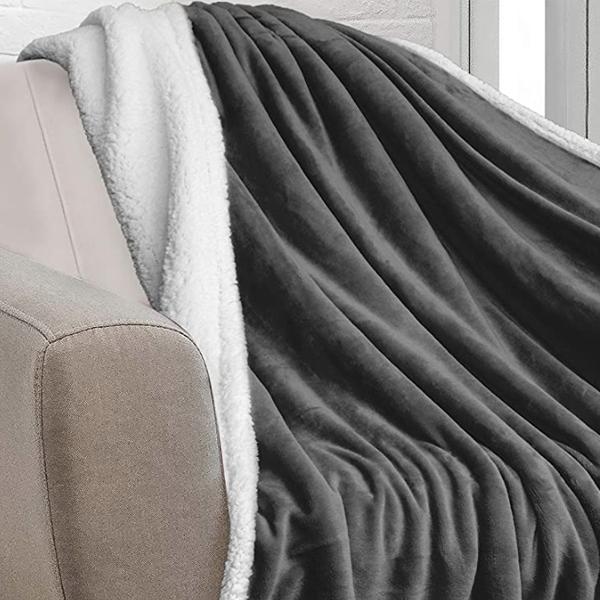20 03 12 17 18 14 original 600x600 blanket
